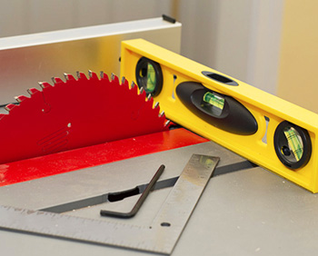 How to Align or Adjust Table Saw Blade